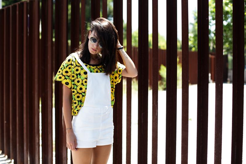 shirt-sunflowers-dungarees-white-h&m-003