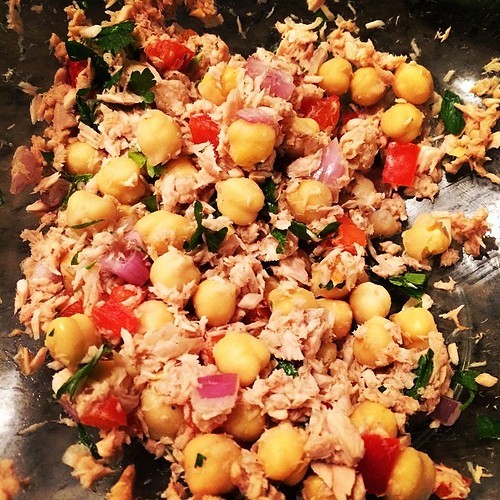 #mealprep #tuna #chickpea is called #lunch #fitfluential #healthyeats #eatwell