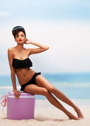 bershka bikini con volant