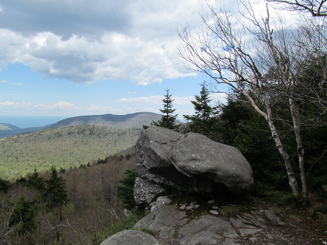 Looking back at Sugarloaf and Twin Mountains
