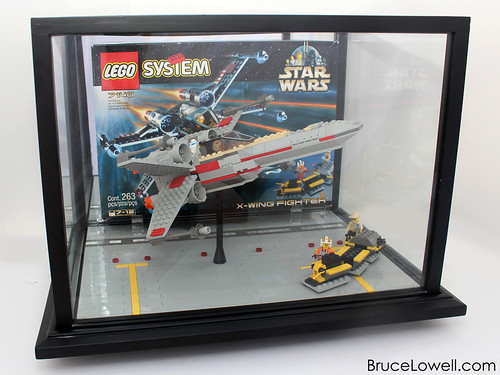 LEGO 7140 X-Wing Display Case