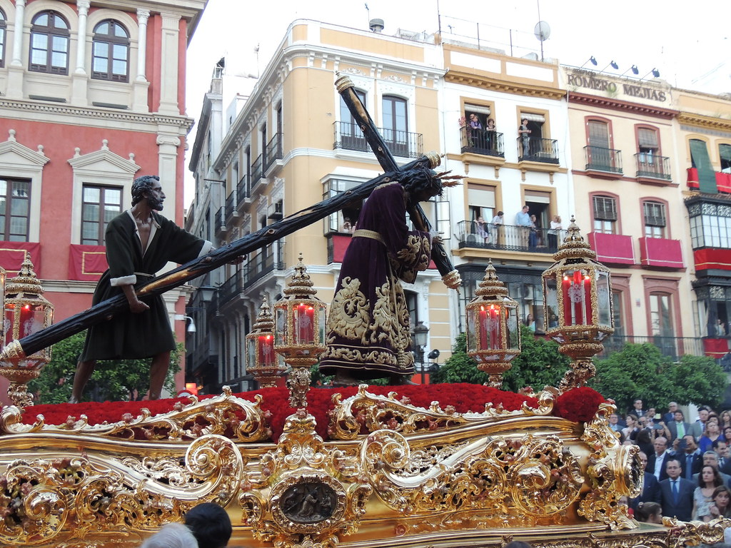 Hermandad de San Roque en la Plaza de San Francisco.