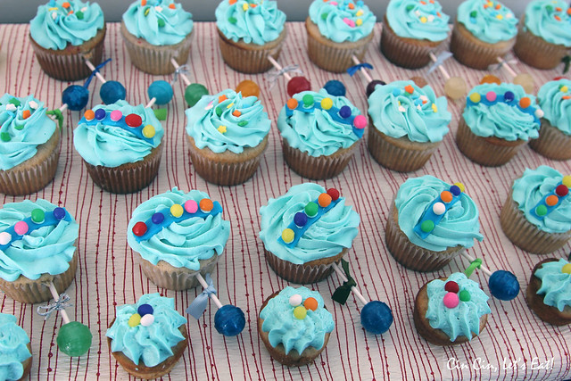 baby rattle cupcakes 4
