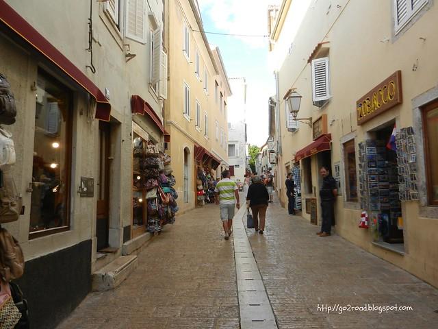 Главная туристическая улица Крк