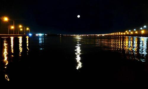 sky moon color reflection beach lamp night bay streetlight view alabama daphne us90 i10 overlook causeway baldwincounty mobilebay interstate10 highway90 bayway us98 highway98