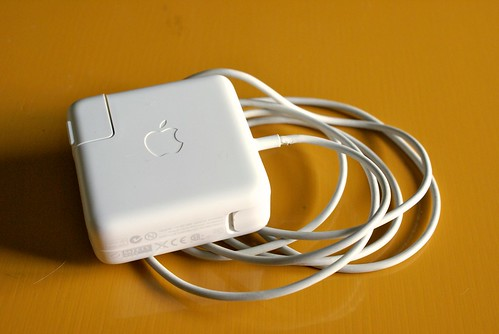MacのACアダプタ
