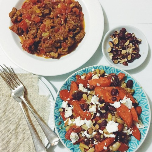 Dinner three from the gourmet @myfoodbag were trying out. Moroccan Chicken w Roasted Spiced Carrots and other things.   Have taken liberties w this one roasting tomato & beans w the carrots and adding preserved lemon w the dates & almonds. In other news,
