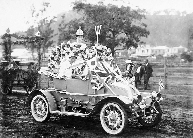Britannia tableau, Australia Day parade, Gosford, Friday 30 July 1915