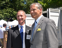 Governor Inslee and smart grid grantee Avista Corp (Don Kopczynski, Vice President of Energy Delivery)
