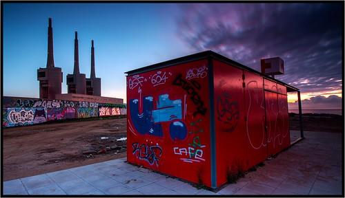 sunrise cloudsstormssunsetssunrises clouds nwn nuvole nwncloudstuesday martesdenubes martedidinuvole felizmartesdenubes nubes cloudsstormssunsetsandsunrises amanecer rojo treschimeneas paisajeindustrial chimeneas industria industry chimney industriallandscape threechimneys red