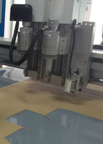 aokecut@163.com CNC flatbed cutter table sample maker plotter machine