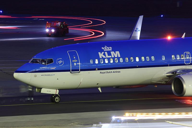 KLM - B738 - PH-BXD (2)