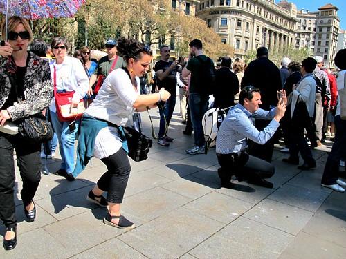 tourists-barcelona-sant-jordi