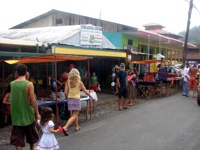 farmer's-market-in-puerto-viejo