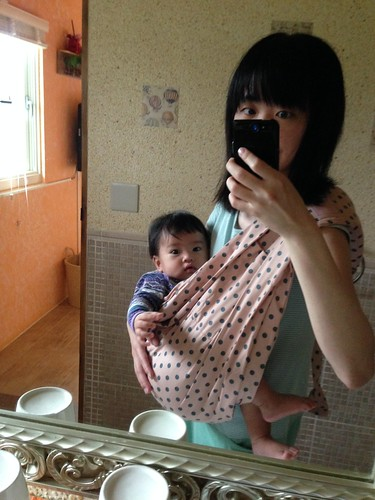 使用theBabaSling嬰兒背巾的樣子@Bloom & Grow 產品試用