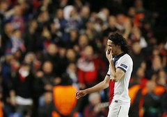 EXCLUSIVE | Arsenal are plotting a mega-money move for PSG - Paris Saint-Germain striker Edinson Cavani Full story: http://bit.ly/1hrcGtm