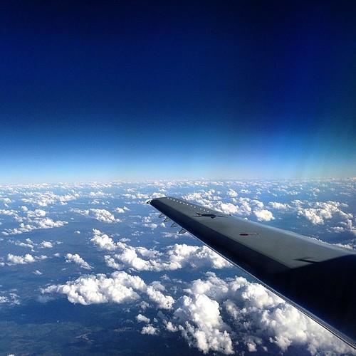 Este #céu #azul aqui da #bahia eh! Seu #lindo #fotograforibeiraopreto #intrabartolo #sky #ERJ145 #FAB