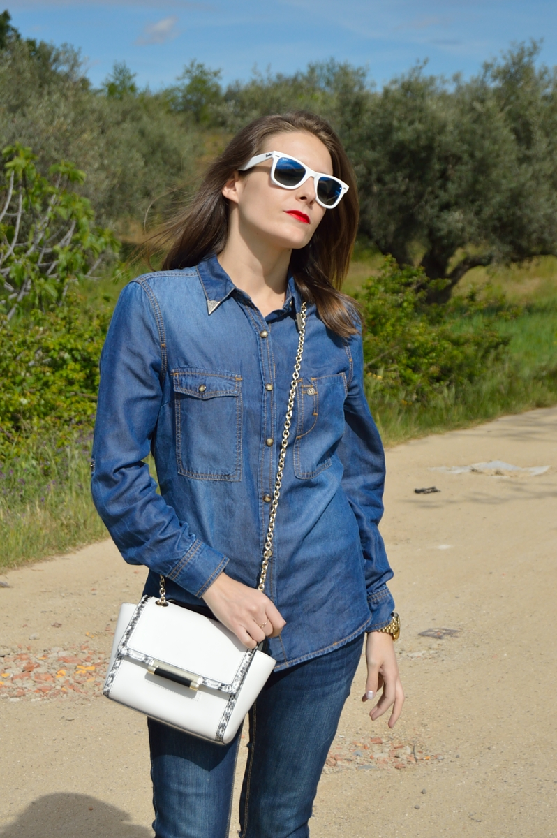 lara-vazquez-madlula-blog-fashion-denim-dvf-white-mini-bag-spring-easy-look