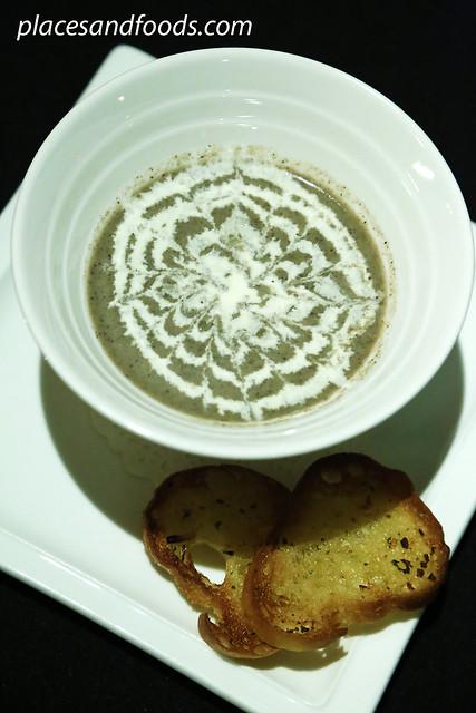 muugu mushroom soup