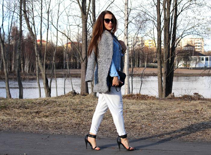 white pants 409