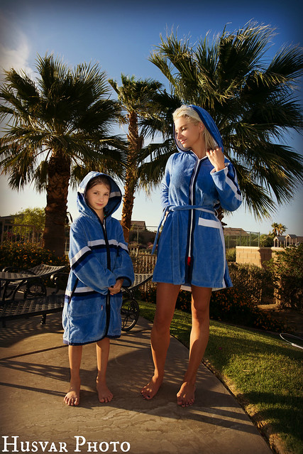 terry rich australia pool robe in_the_know_mom
