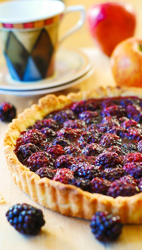 Blackberry tart, blackberry pie, berry desserts, berry recipes, how to make pie crust, how to make tart crust