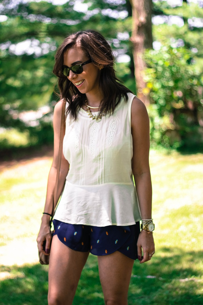 va darling. dc blogger. virginia personal style blogger. sheer white flowy summer top. flutter patterned bcbg shorts. leather oxfords. summer style 3