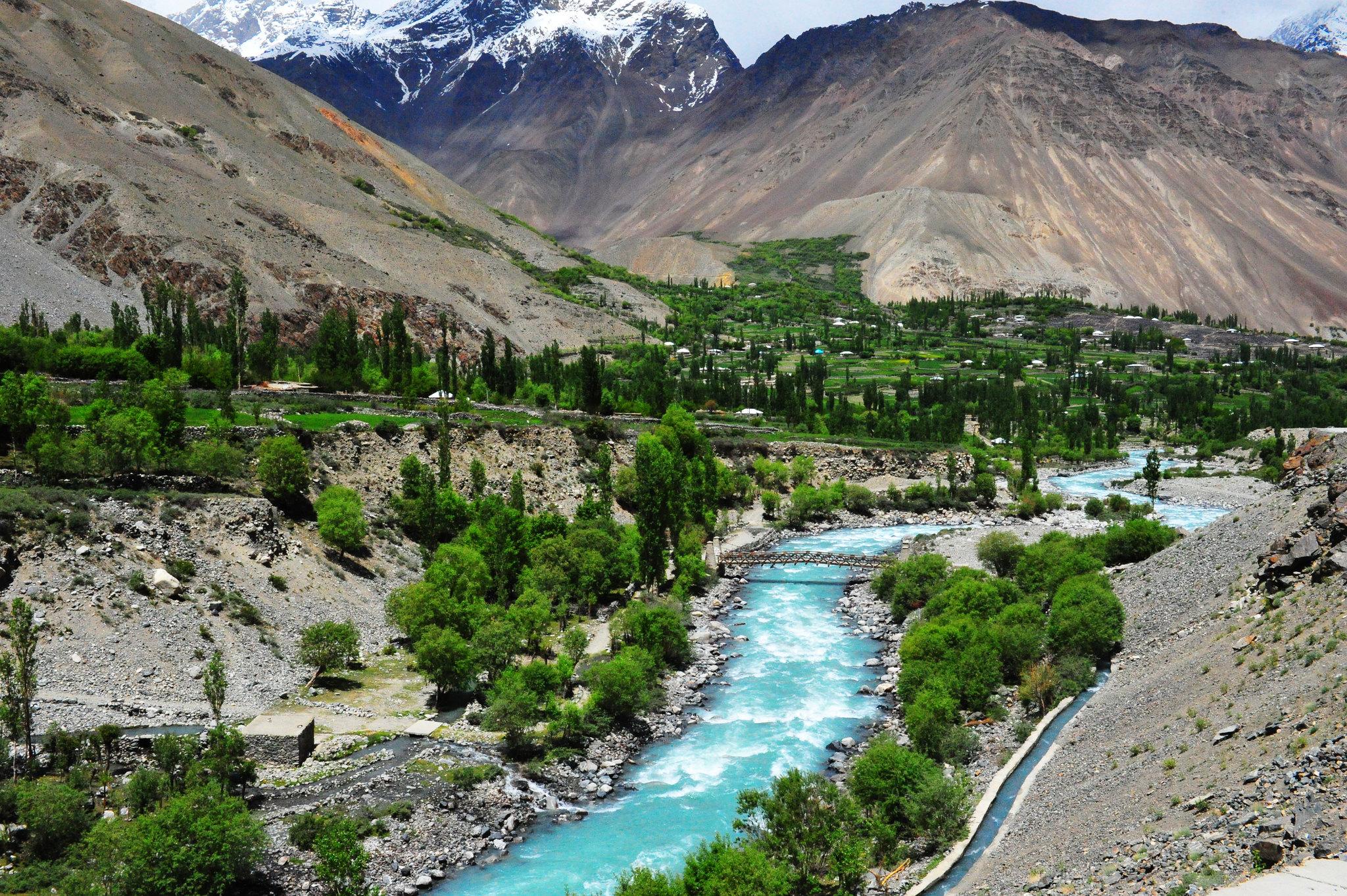 Ghizar River, Khyber-Pakhtoonkhwa, Pakistan [2048x1363]
