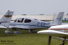 D-EWCD CIRRUS DESIGN CORP SR20 1875 PRIVATE -Sywell-20130601-Alan Gray-IMG_9193