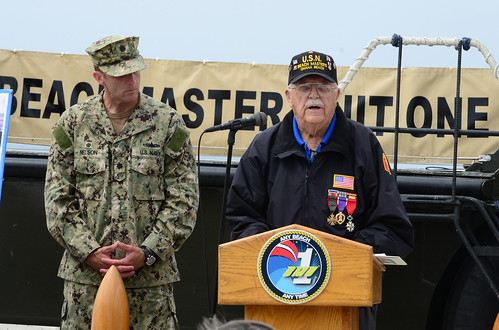 CORONADO, Calif. – Sailors assigned to Beachmaster Unit (BMU) 1 received a first-hand account of the June 6, 1944 D-Day invasion by one of the men who was there during a 70th anniversary remembrance ceremony at Naval Base Coronado.