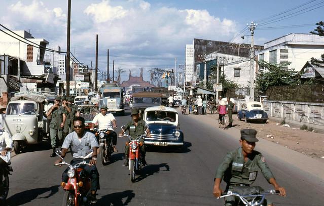 Saigon 1969 - Đường Võ Tánh (nay là Hoàng Văn Thụ), phía xa là Lăng Cha Cả