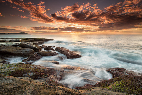 sky seascape water clouds sunrise rocks day cloudy australia nsw centralcoast terrigal 5lw nickfriend 5landswalk