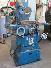 milling(0.0), machine(1.0), tool(1.0), tool and cutter grinder(1.0), toolroom(1.0), machine tool(1.0),