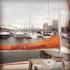 The temperature is dropping and we\'ve got fog. Hello pneumonia front! #belmontharbor #chicago #sailing #lakemichigan