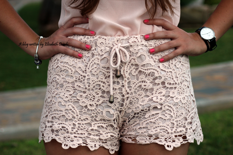 Shorts-de-encajes-rosas-pastel-SuiteBlanco-HeelsandRoses-(2)
