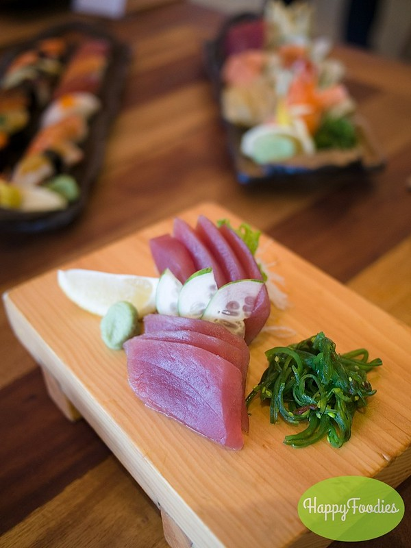 Mixed sashimi platter (Php 648)