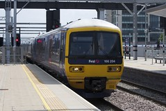 166204 Arrives at Reading