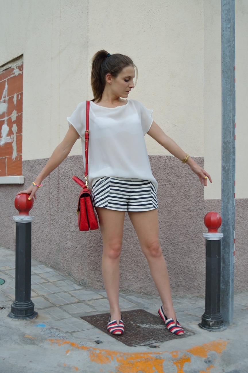 lara-vazquez-mad-lula-fashion-style-blog-stripes-pop-of-red