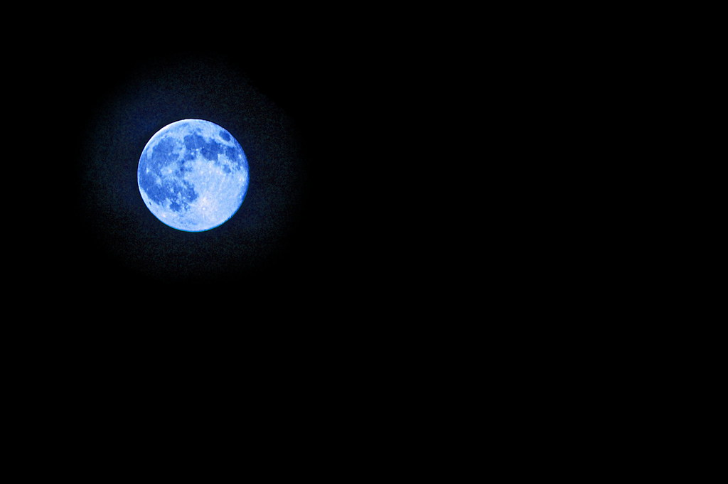 (super) blue moon | an edit by Nick Chapman