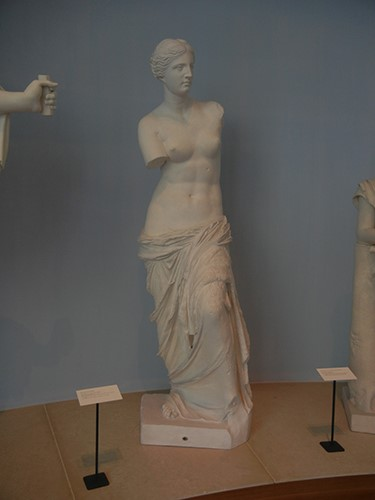 DSCN1393 _ Aphrodite from Melos (Venus de Milo), Anonymous, Greek, 2nd cen. BCE, 19th cen. reproduction, Blanton Museum