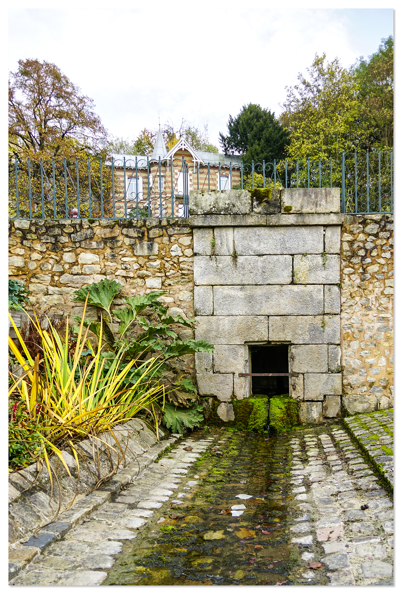 72 - Fontaine Abel du XVIIIème siècle, le Mans - Sarthe