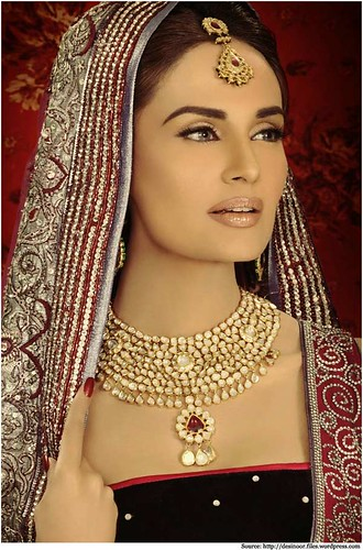 Is Kundan Jewellery influencing our Fashion too?