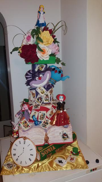 Alice in Wonderland by Manuela Rocsana Anghel of Ema Cakes