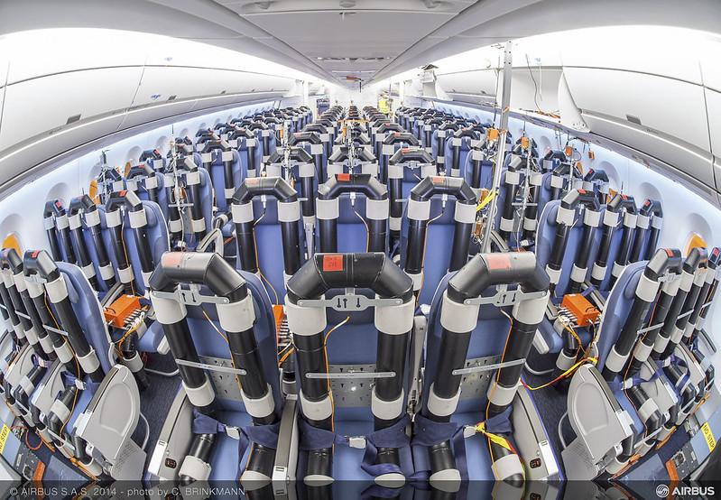 Airbus A350XWB (partie 3) - Page 2 13688811003_53616a05cf_c