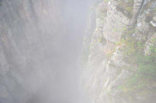 Mist climbing the fenda da Tundavala