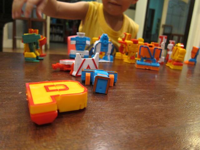 ALPHABET ROBOTS 3
