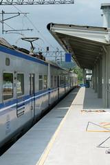 EMU400停靠三民站