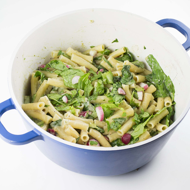 Creamy Ziti Pasta with Lettuce and Radishes_4
