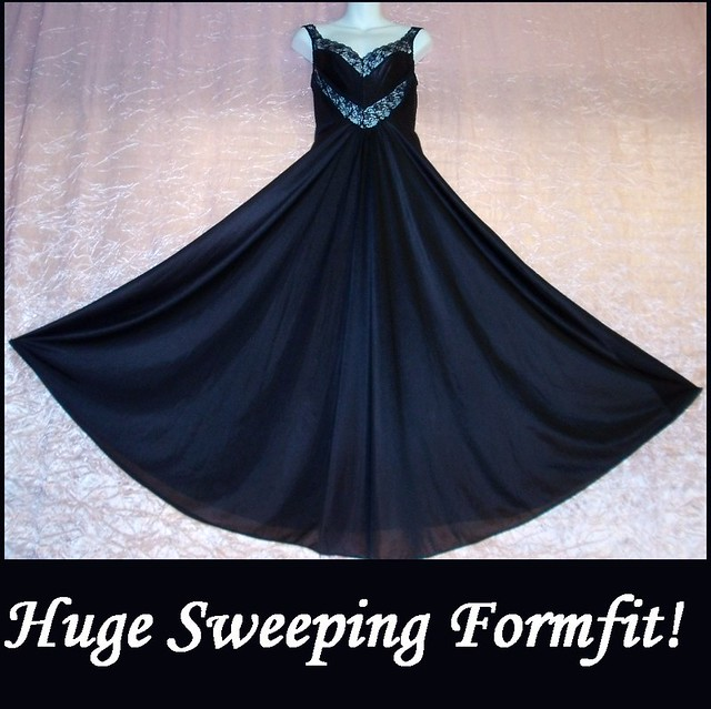 Glamorous Black Olga Style Vintage Nightgown by Undercover Wear Floor Length Sweeping Gown sz L!