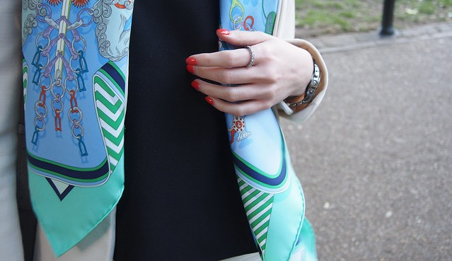 hermes scarf outfit
